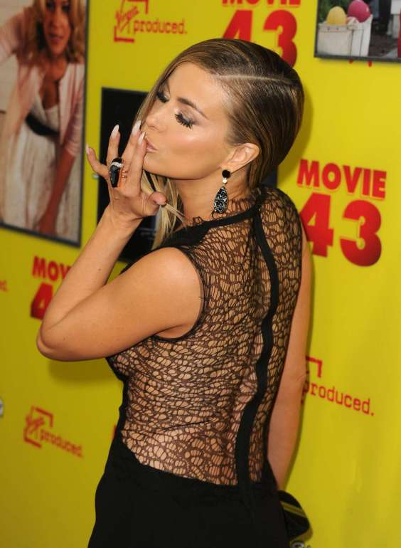 Carmen-Electra-at-Movie-43-Premiere--11