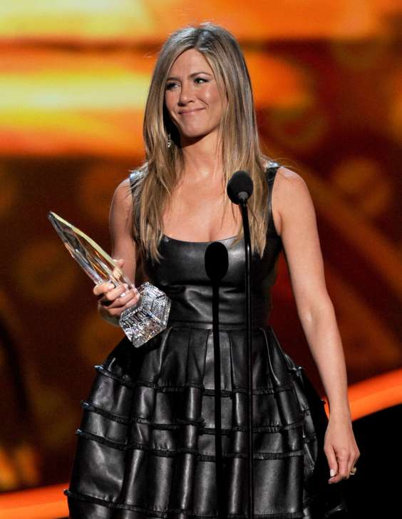Jennifer-Aniston---Peoples-Choice-Awards-2013--14