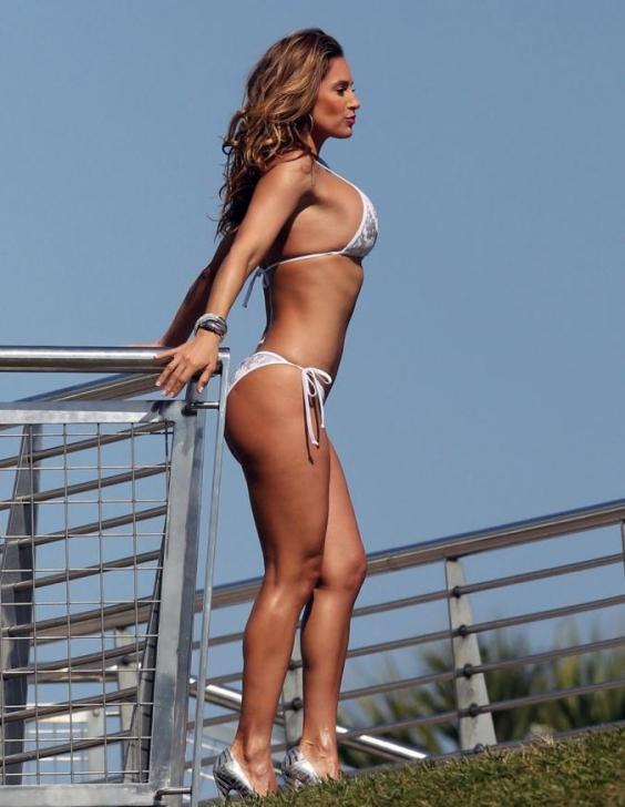 Jennifer-Nicole-Lee---Bikini-photoshoot-in-Miami-04