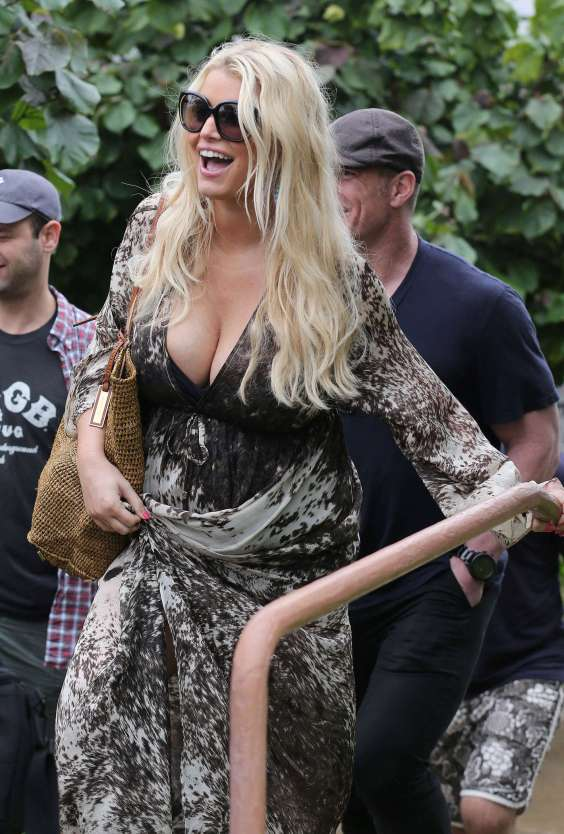 Jessica Simpson in Hawaii -02