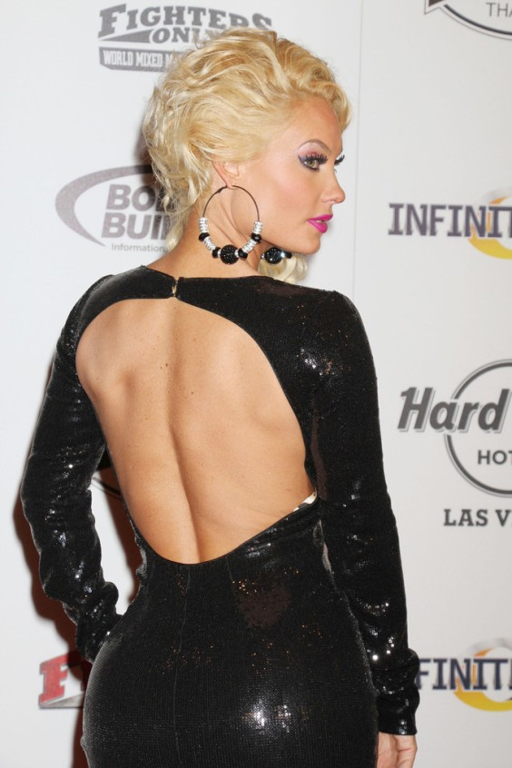 Nicole-Coco-Austin---2013-World-Mixed-Martial-Arts-Awards-01