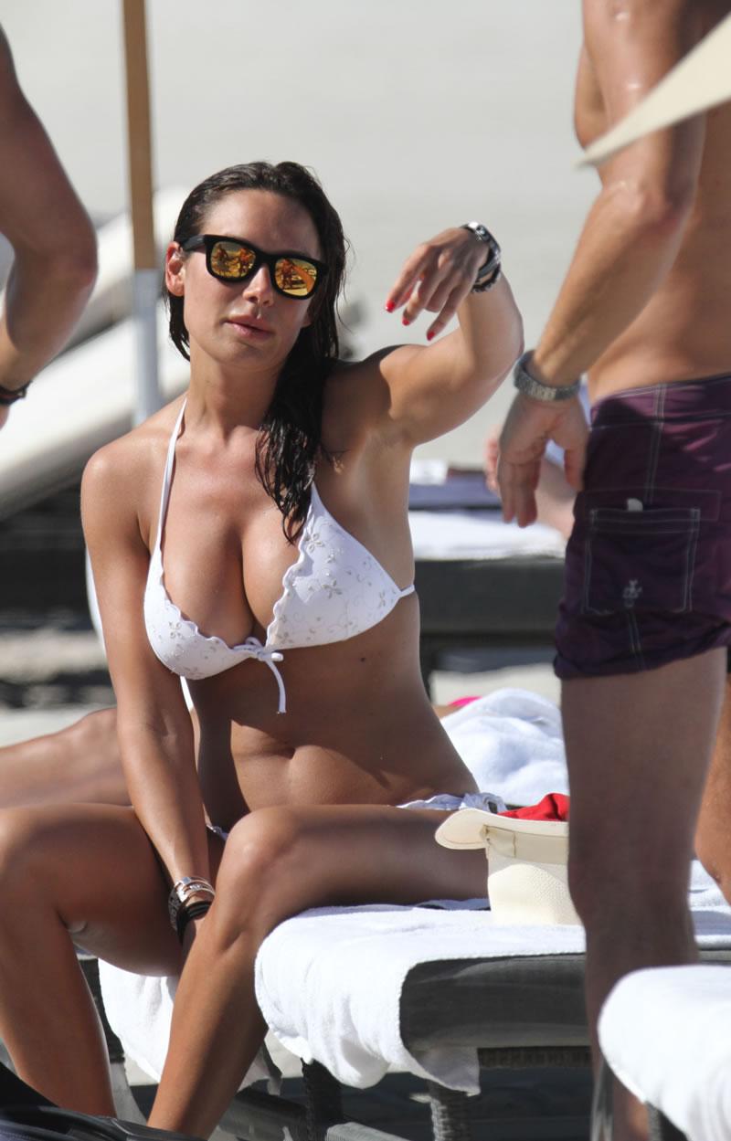 Nicole Minetti – Wearing White Bikini in Miami | RBC Gisele Bundchen Instagram