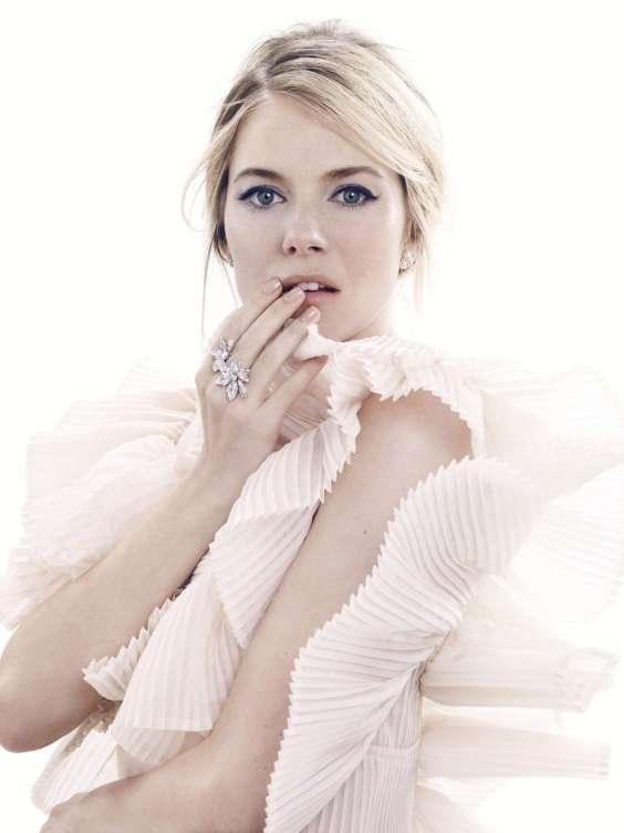 Sienna Miller in Harpers Bazaar -01