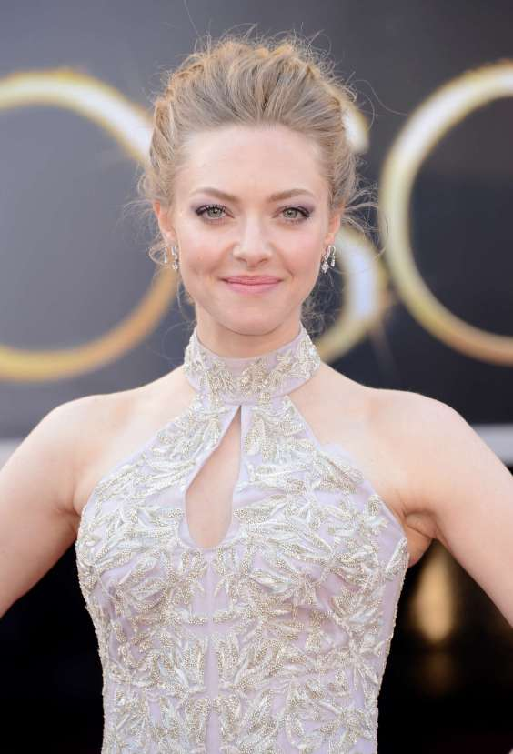 Amanda-Seyfried---Oscars-2013--06