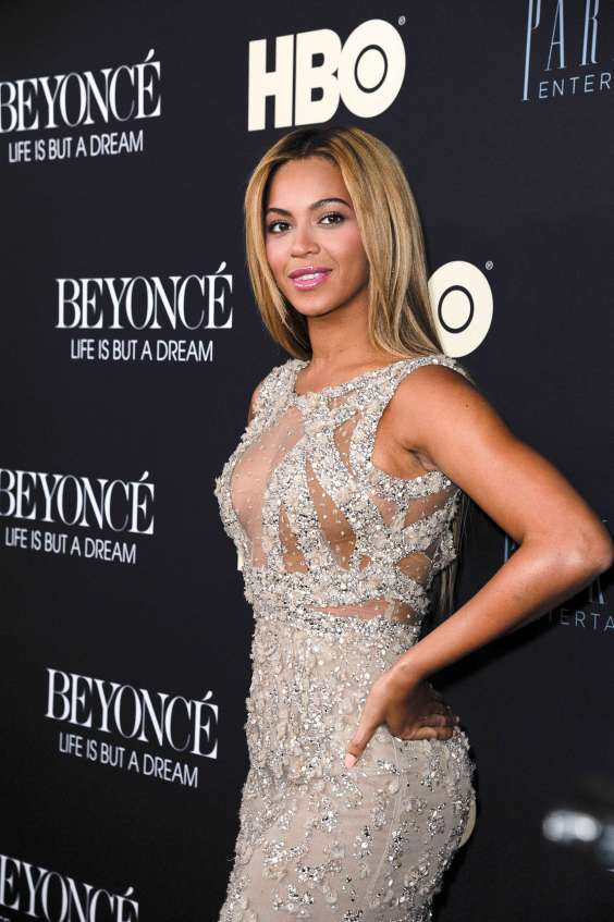 Beyonce-Knowles-at-Beyonce---Life-Is-But-A-Dream-32