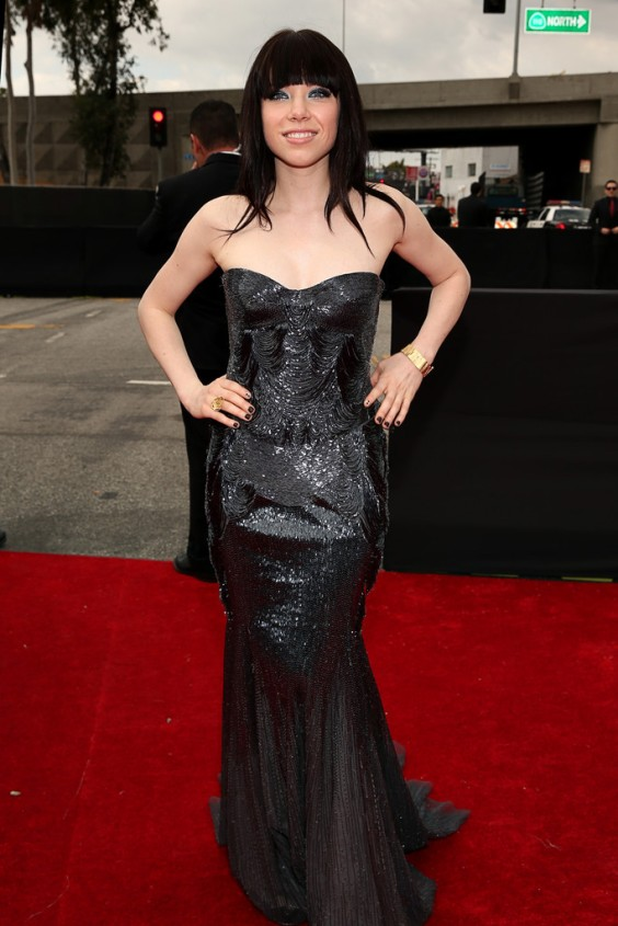 Carly-Rae-Jepsen---2013-Grammy-Awards--06