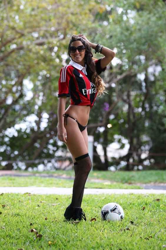 Claudia-Romani-in-thong-bikini-plays-soccer-in-Miami-07