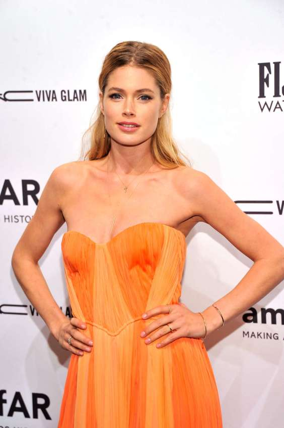 Doutzen-Kroes---2013-Fashion-Week--02