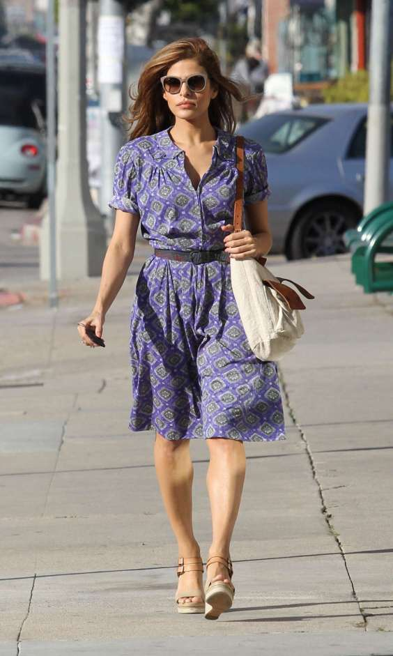 Eva-Mendes-Out-for-shopping-in-LA--02