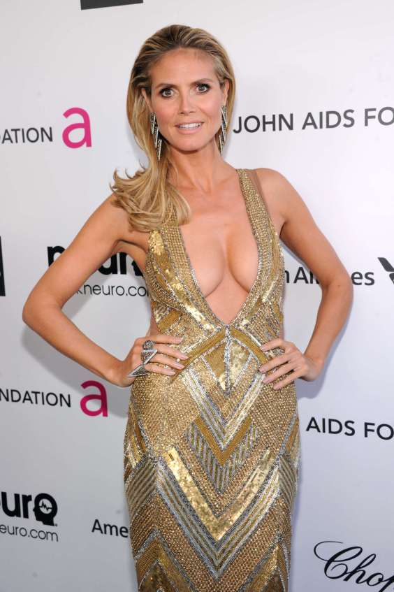 Heidi-Klum---2013-Elton-John-AIDS-Foundation-Academy-Awards-Party--05