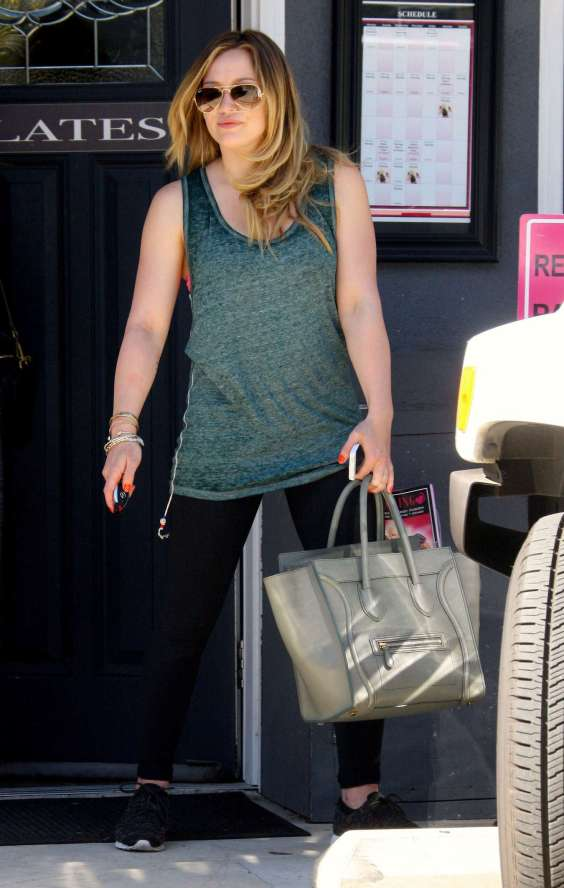 Hilary-Duff---Leaving-her-pilates-11