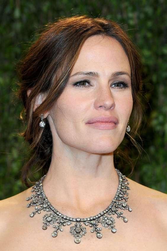 Jennifer-Garner---Oscar-2013---Vanity-Fair-Party--02