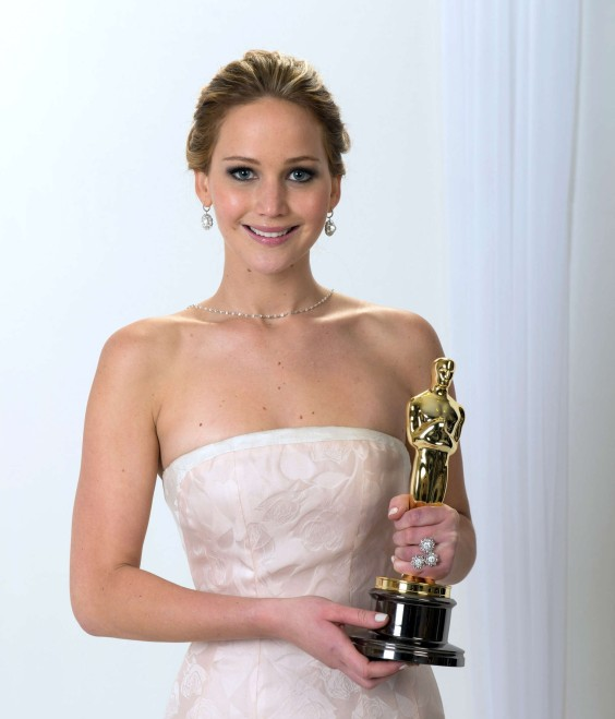 Jennifer-Lawrence---Protraits-for-the-Oscar-2013--02-e1361969316419