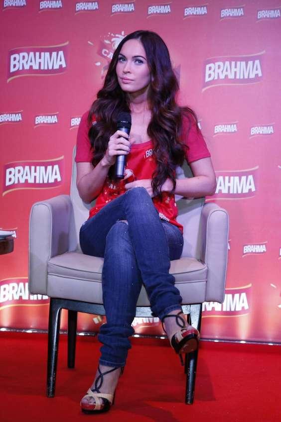 Megan-Fox-in-Rio-de-Janeiro-01