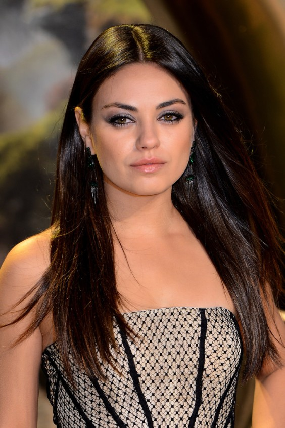 Mila-Kunis---Oz-The-Great-and-Powerful-Premiere-in-London--04