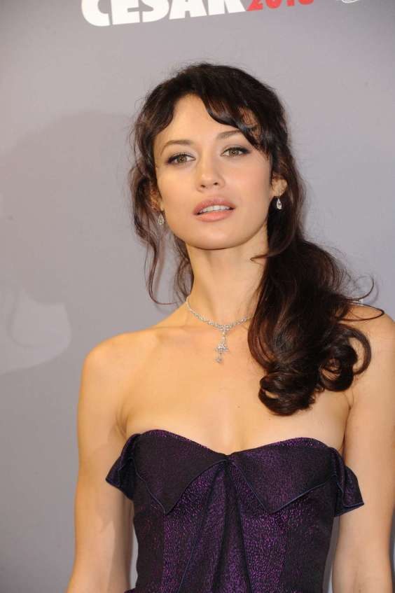 -Olga-Kurylenko---2013-Cesar-Film-Awards-ceremony--04