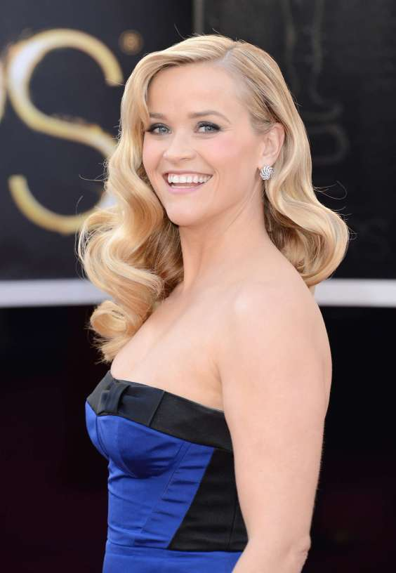 Reese-Witherspoon---Oscars-2013--02