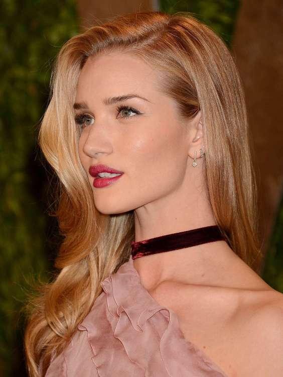 Rosie-Huntington-Whiteley---Oscar-2013---Vanity-Fair-Party--16