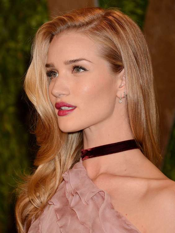 Rosie-Huntington-Whiteley---Oscar-2013---Vanity-Fair-Party--16