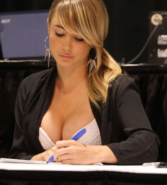 Sara-Underwood-at-2013-Sportsfest-Novi-52-e1361187938377