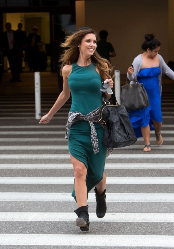 Audrina-Patridge-arrives-at-LAX-Airport--19