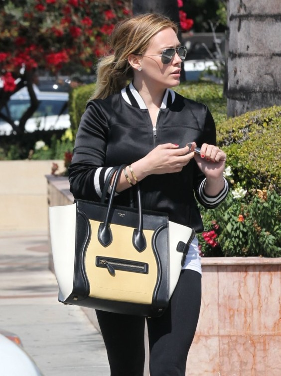Hilary-Duff---out-and-about-in-LA--07