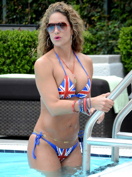 Jennifer-Nicole-Lee-in-a-British-Flag-Bikini--04