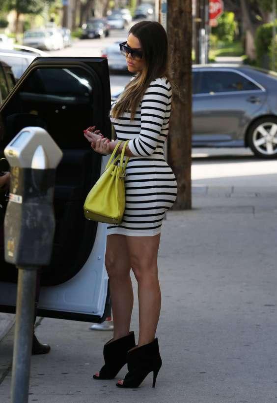 Khloe-Kardashian-In-Striped-Dress--03