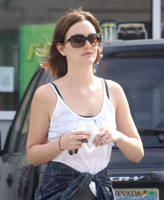 Leighton-Meester---stopping-by-a-gas-after-a-yoga-class-in-Hollywood--12