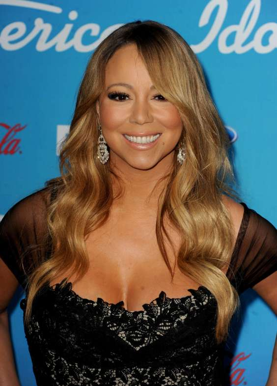 Mariah-Carey-at-the-American-Idol-finalists-event-2013-at-The-Grove--25