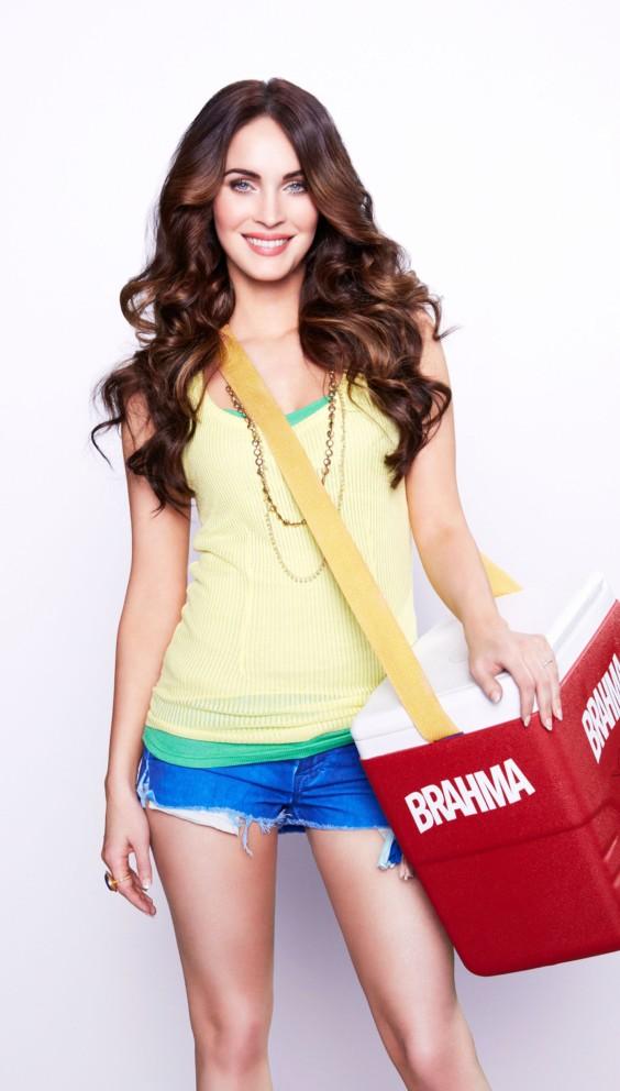 Megan-Fox---Promotes-Rio-Carnival-appearance-2013--02