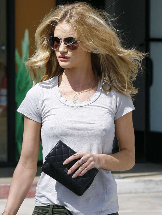 Rosie-Huntington-Whiteley-out-in-Malibu--06