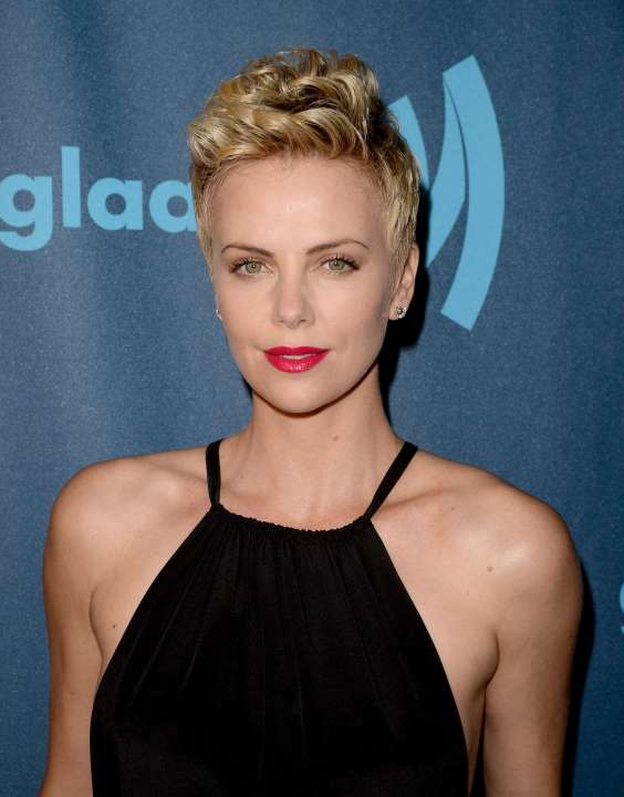 Charlize-Theron---24th-Annual-GLAAD-Media-Awards--03