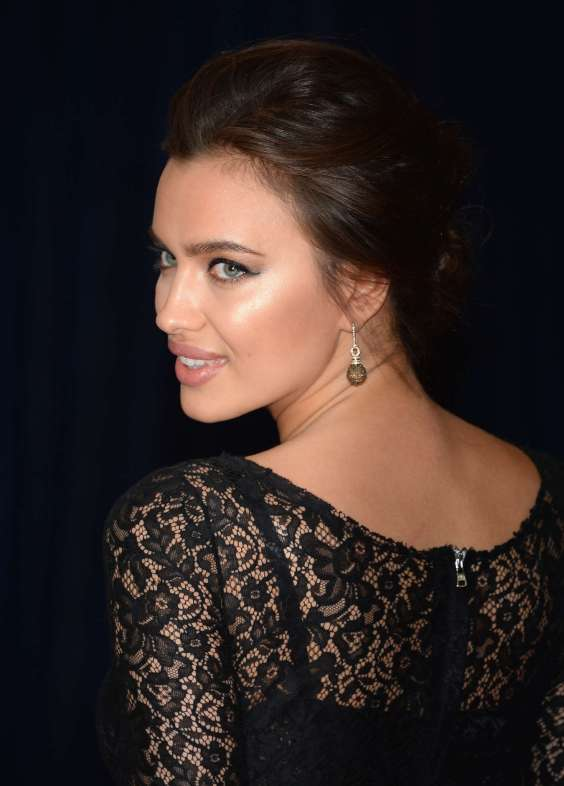 Irina-Shayk---2013-White-House-Correspondents-Association-Dinner--01
