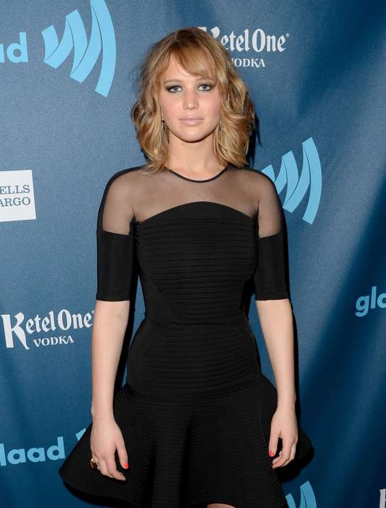 Jennifer-Lawrence---24th-Annual-GLAAD-Media-Awards--01