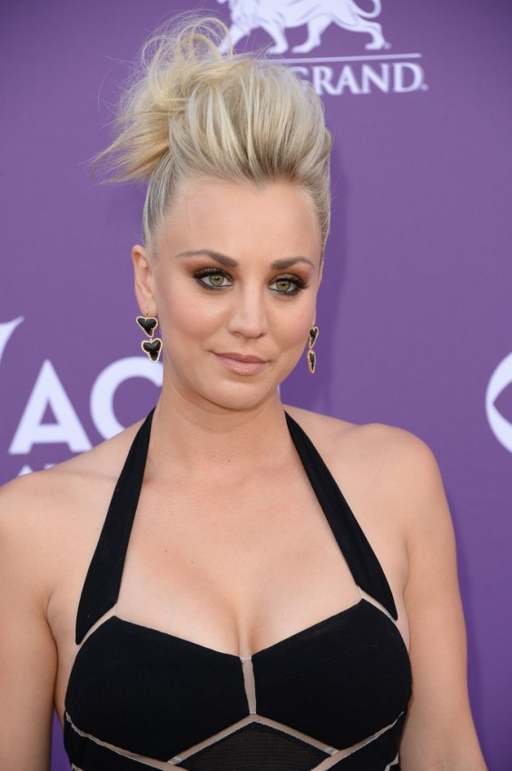 Kaley-Cuoco---48th-Annual-Academy-of-Country-Music-Awards--03