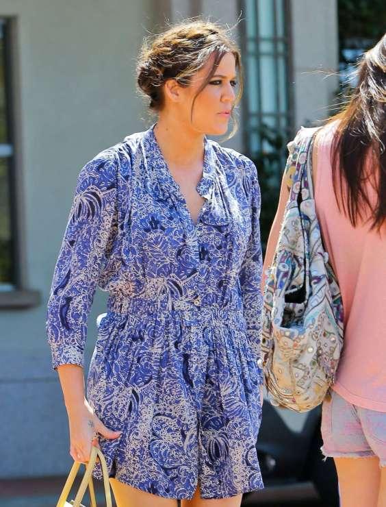 Khloe-Kardashian-at-The-Four-Seasons-Hotel-in-Agoura-Hills--05