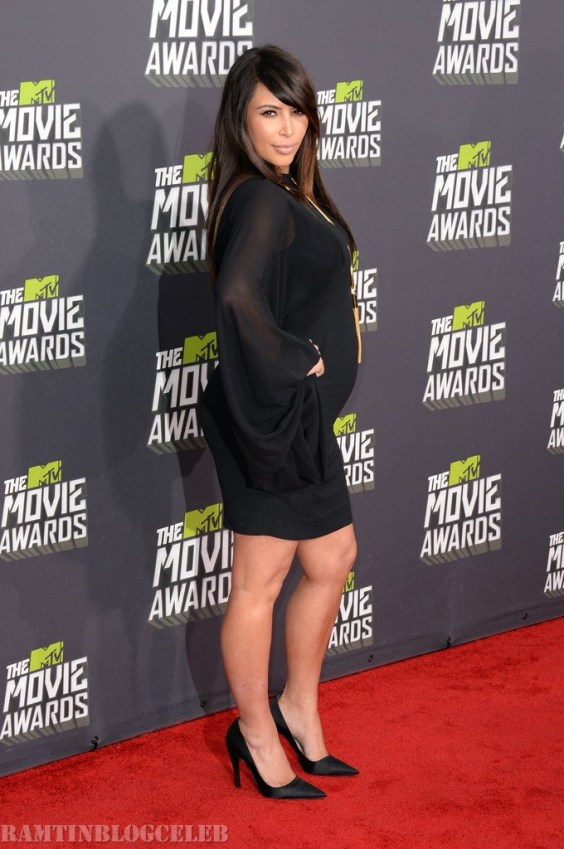 Kim-Kardashian---2013-MTV-Movie-Awards--08
