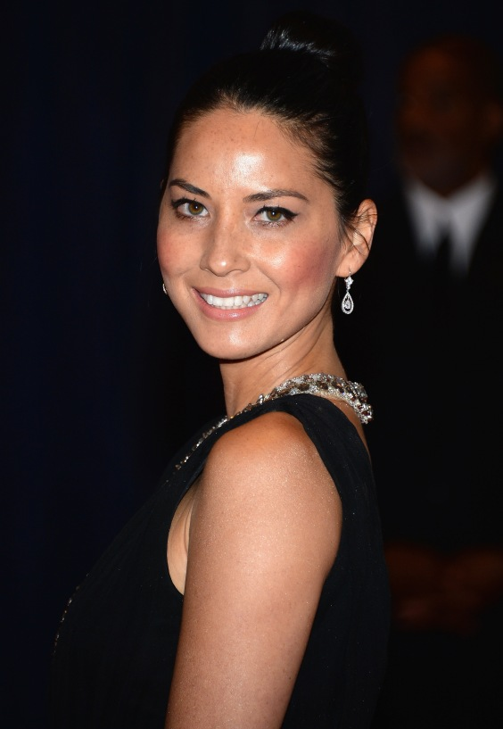Olivia-Munn---2013-White-House-Correspondents-Association-Dinner--05
