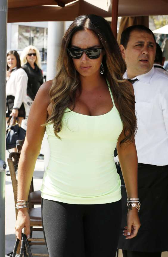 Tamara-Ecclestone---Seen-in-Beverly-Hills--01