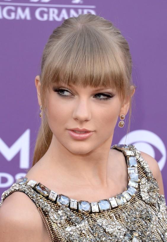 Taylor-Swift-7