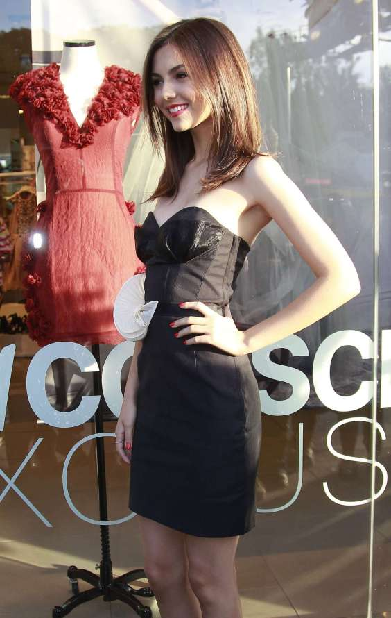 Victoria-Justice---HM-Conscious-Collection-Launch--03