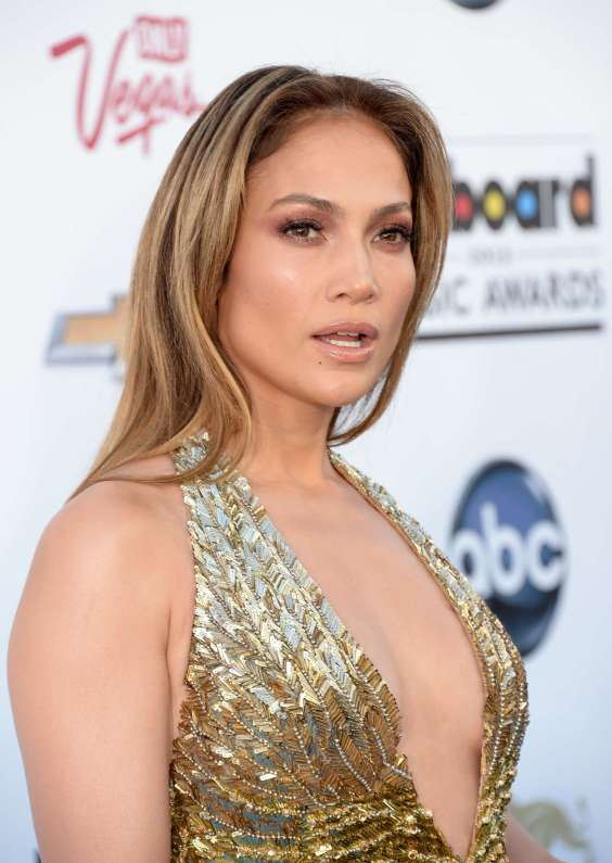 Jennifer-Lopez---2013-Billboard-Music-Awards-in-Las-Vegas-31