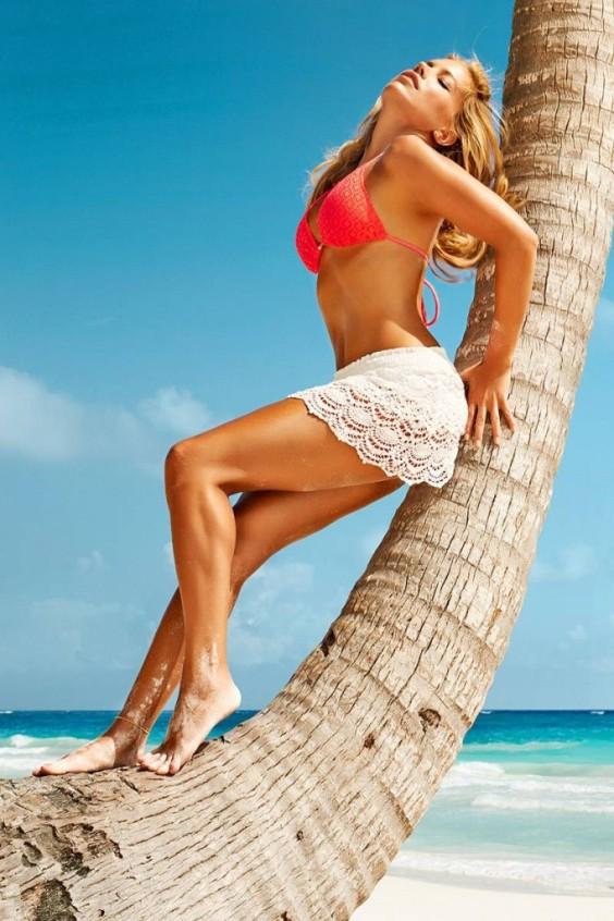 Sylvie-van-der-Vaart-Hunkemoller-swimwear-9-682x1024
