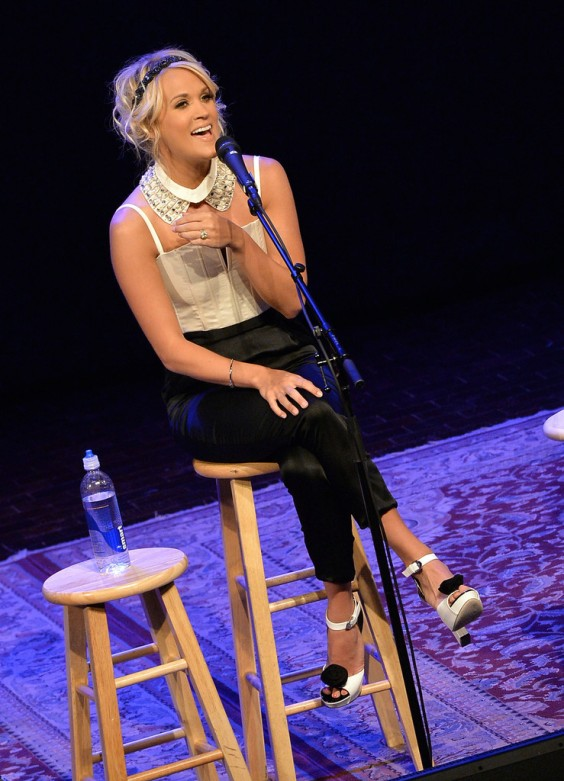 Carrie-Underwood---performs-at-fan-club-party-in-Nashville--01