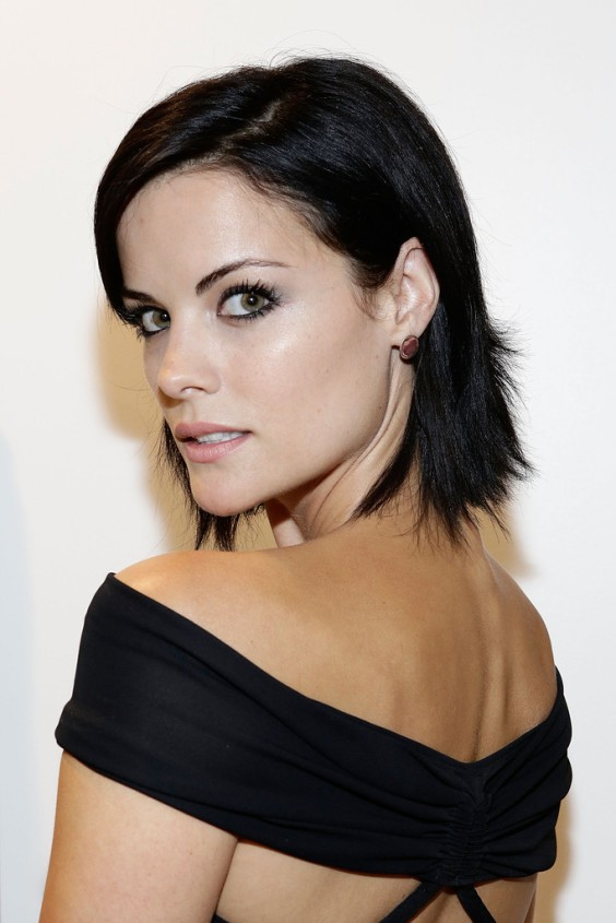 Jaimie-Alexander-at-Rodeo-Drive-boutique-in-Beverly-Hills--08
