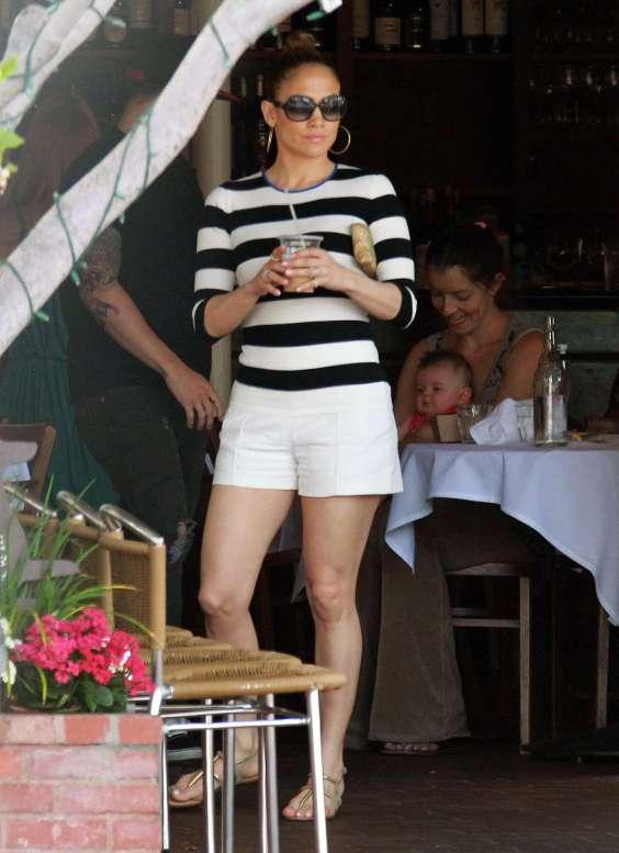 Jennifer-Lopez-wearing-white-shorts--10