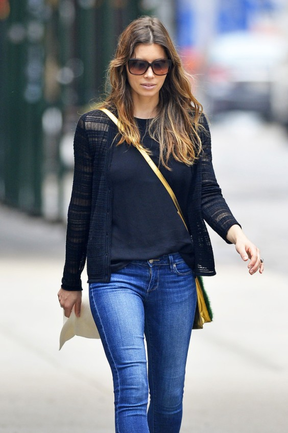 Jessica-Biel---out-and-about-in-SoHo--01