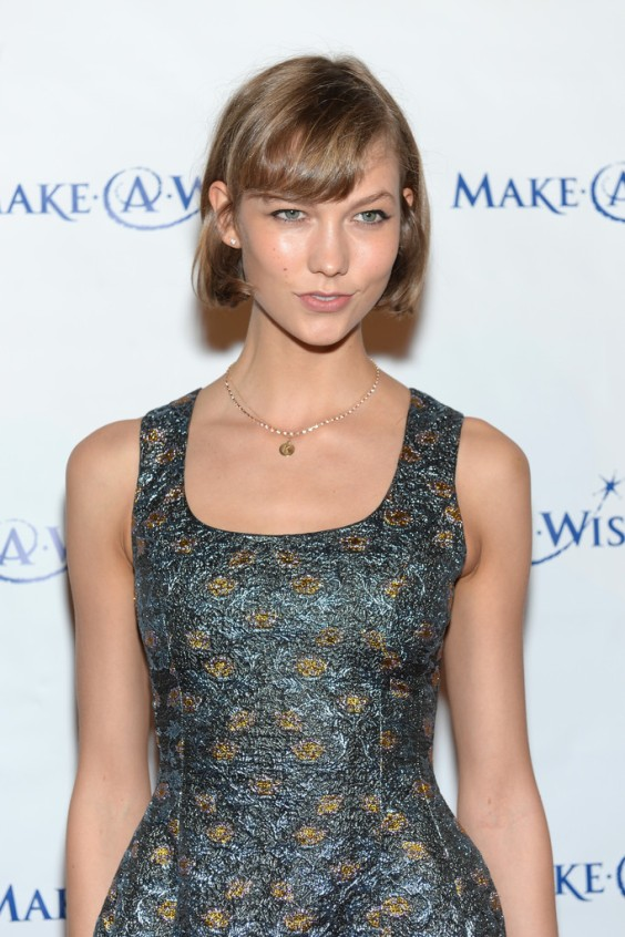 Karlie-Kloss---Make-A-Wish-Metro-New-Yorks-30th-Anniversary-Gala--12