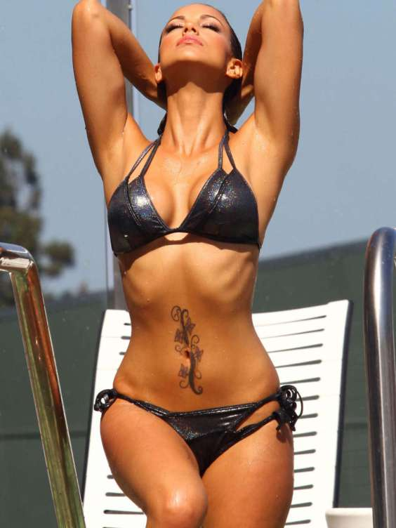 Melissa-Riso-Bikini-Photoshoot-in-West-Hollywood-09